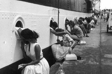 Make love, not war - 20 historycznych zdjęć pokazujących miłość w czasach wojny