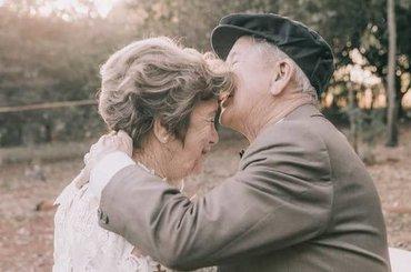 Zdecydowali się na plener ślubny po 60 latach małżeństwa. Zdjęcia są przepiękne!