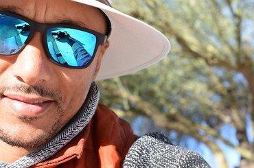 Okulary przeciwsłoneczne a savoir - vivre - co trzeba wiedzieć?