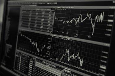Kursy kryptowalut - gdzie sprawdzać kurs Bitcoin?