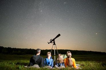 Jak działają i czym się charakteryzują teleskopy optyczne? Kupujemy nasz pierwszy teleskop