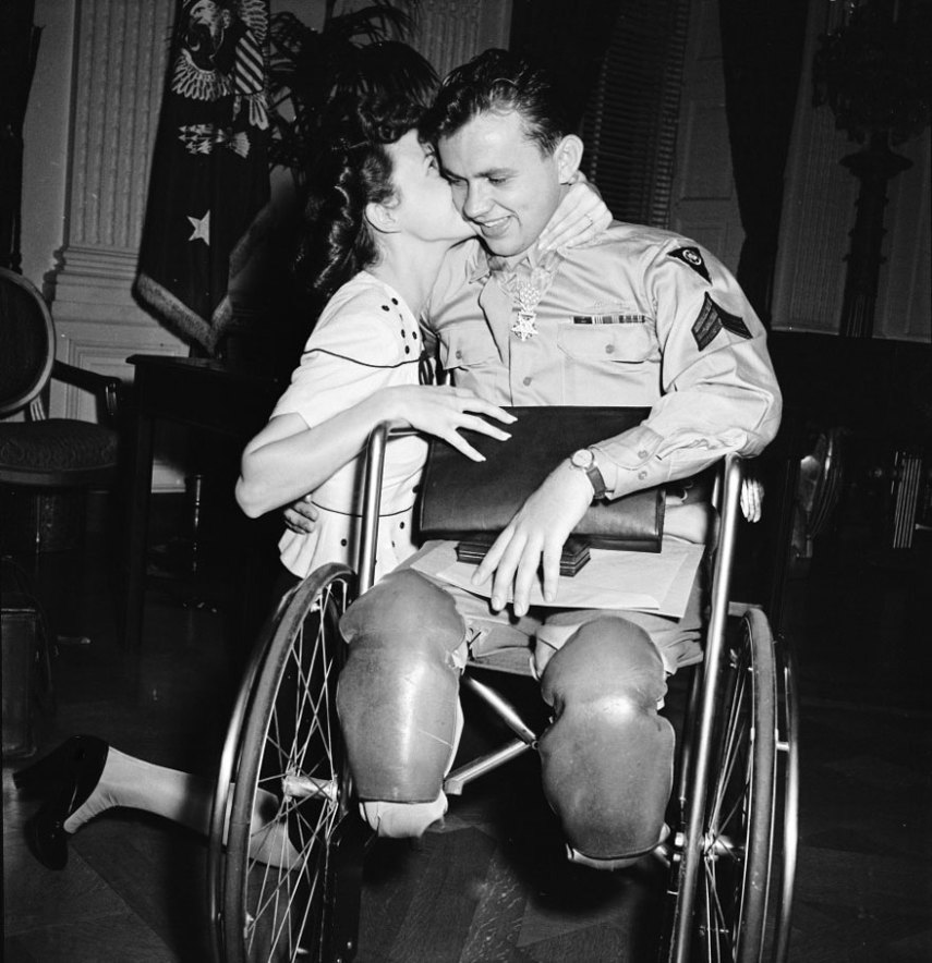 old-photos-vintage-war-couples-love-romance-54-573598b44368b__880